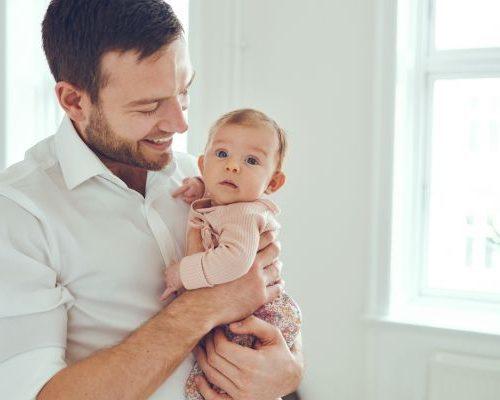Γιατί αξίζει να μιλάει ο μπαμπάς στο αγέννητο μωρό